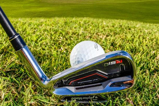 How to choose the best golf irons for you Aaa-golf-irons