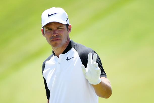 Paul Casey rallies after triple-bogey for share of US Open lead