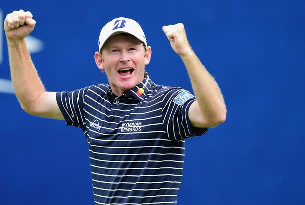 Snedeker on top after third round suspended at Wyndham